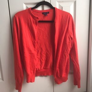 Only been worn 5 times really cute cardigan